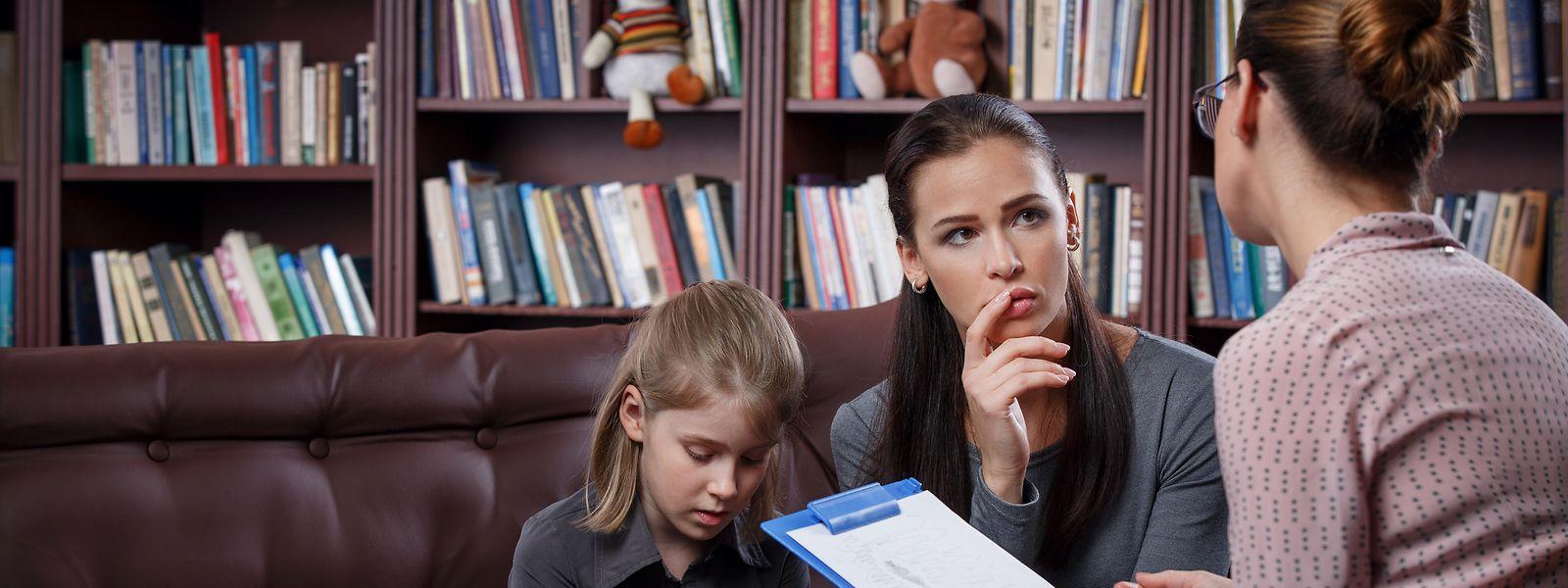 An einem Strang ziehen: Kinder brauchen die gemeinsame Unterstützung von Eltern und Lehrern.