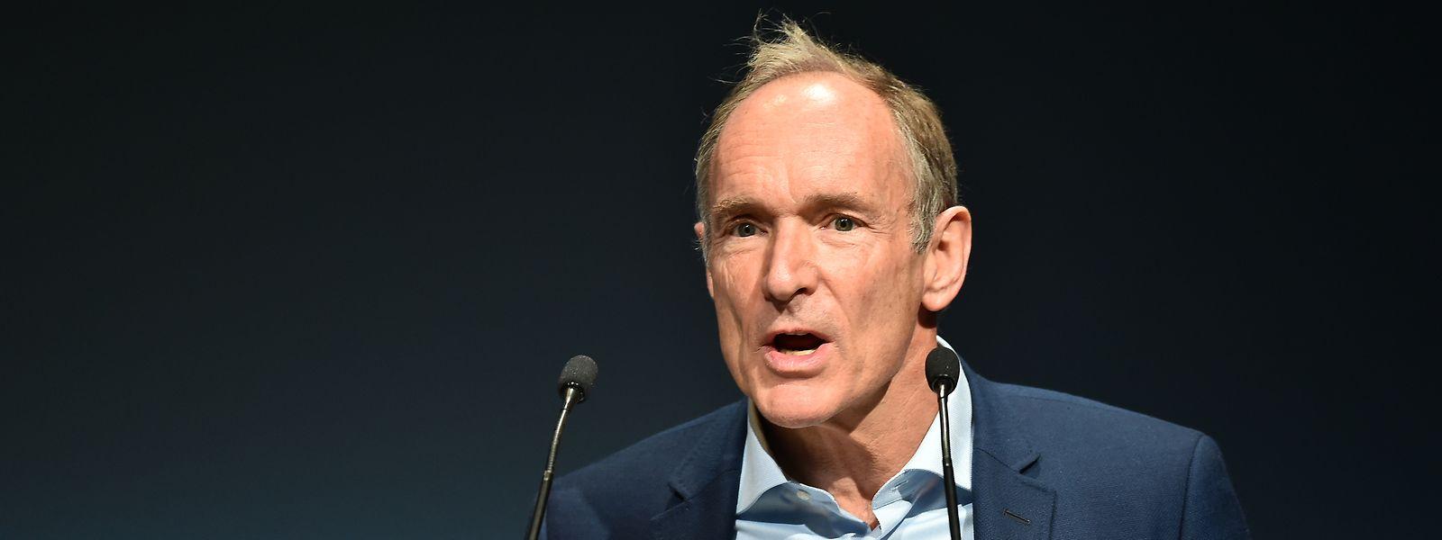 Tim Berners-Lee é considerado um dos pais da WWW (world wide web).