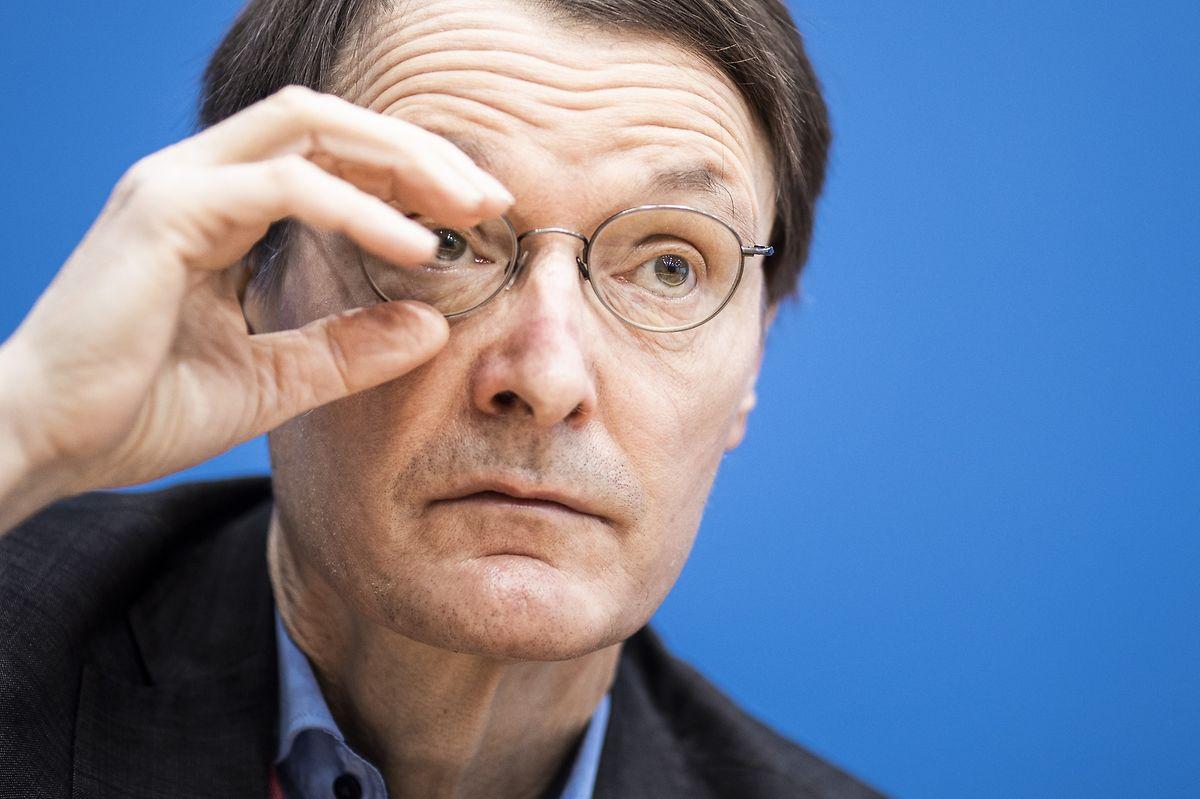 An ihm führt in deutschen Medien derzeit kein Weg vorbei. Corona-Krisen-Experte Karl Lauterbach.