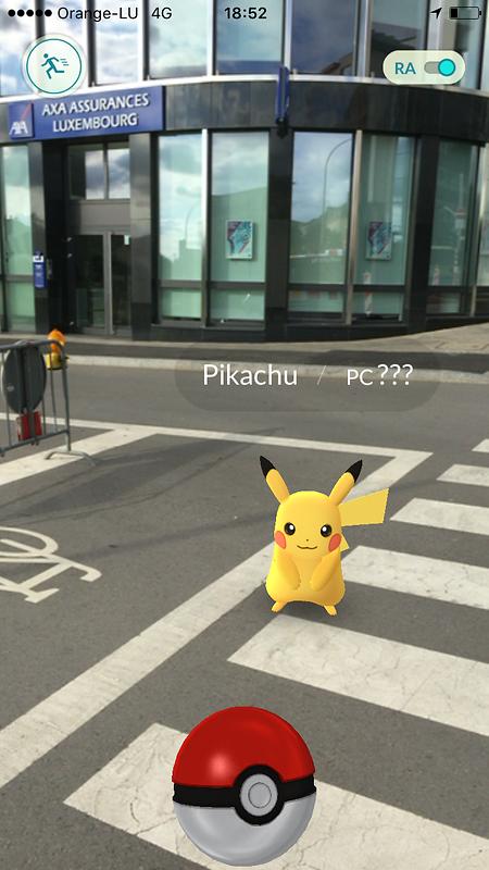 Mit einem Screenshot machte die Versicherungsfirma auf das Pokemon vor ihrem Hauptsitz aufmerksam.