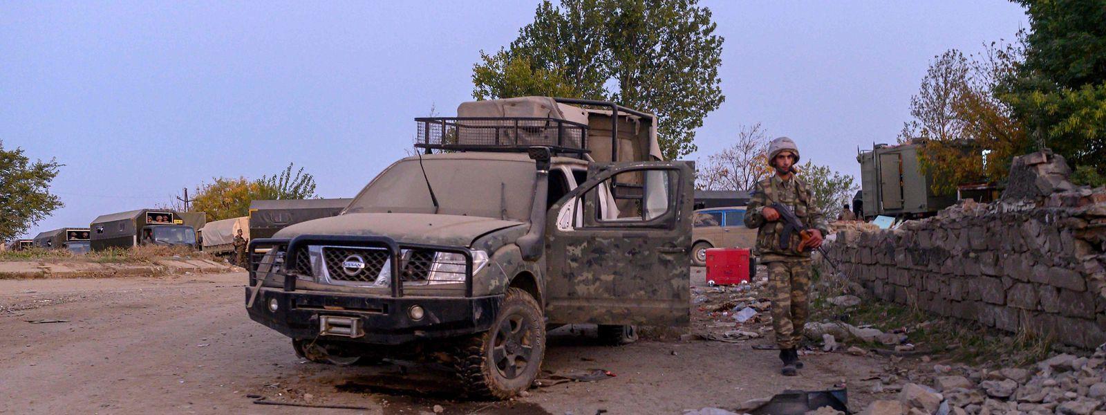 Ein Kämpfer der aserbaidschanischen Armee in Jabrayil.