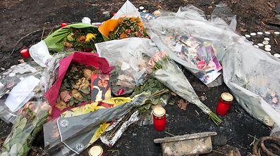 Mordfall Roussy-le-Village: Blummen / Foto: Alain PIRON