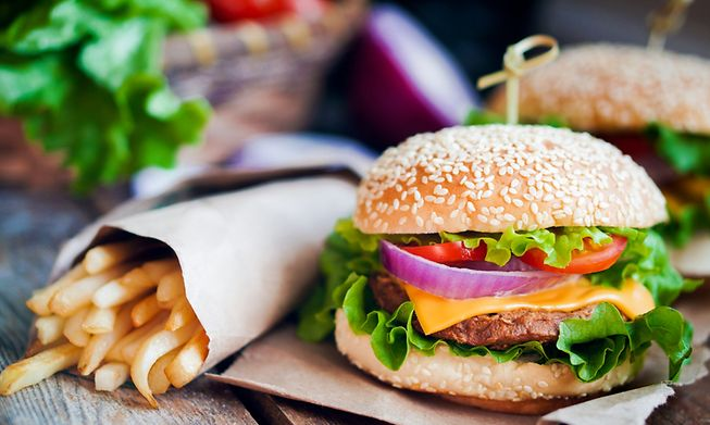 Comfort food for meat lovers and vegetarians, there are several gourmet burger places in the City