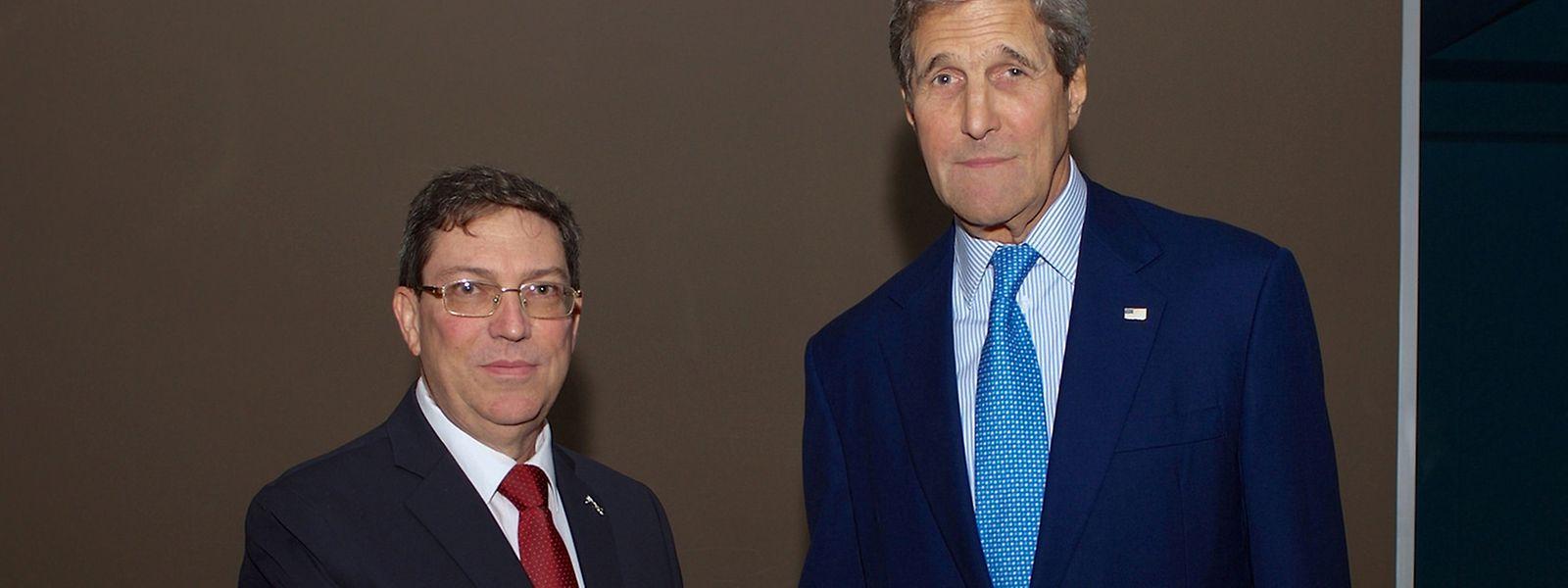US-Aussenminister John Kerry (R) mit seinem kubanischen Amtskollegen Bruno Rodriguez im Vorfeld des Gipfels.