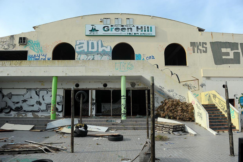 A discoteca Green Hill está ao abandono e à venda numa imobiliária na Foz do Arelho, Caldas da Rainha, 15 de janeiro de 2019. O espaço que durante as décadas de 70, 80 e 90 foi uma atração na zona Oeste, está agora completamente destruída pelo vandalismo. (ACOMPANHA TEXTO DE DIA 20 DE JANEIRO DE 2019). CARLOS BARROSO/LUSA