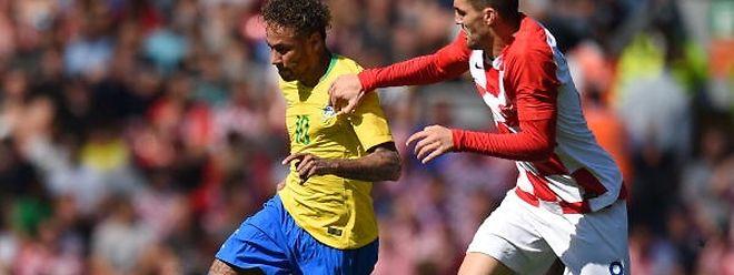 Neymar, à esquerda, é o melhor jogador do Brasil, uma das principais favoritas à conquista do título.
