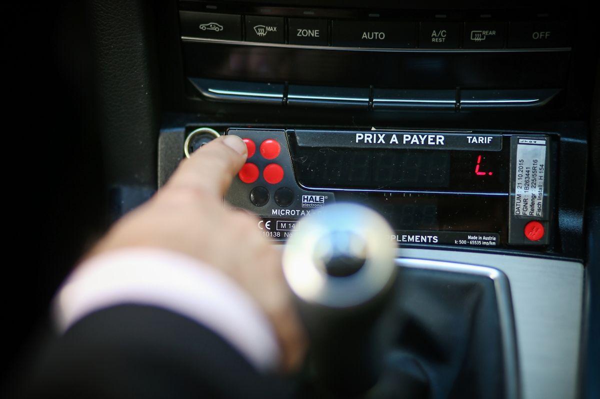 Os taxistas acreditam que as tarifas não vão baixar