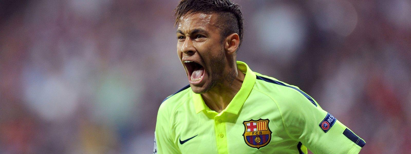 Neymar marcou os dois golos do Barça frente ao Bayern