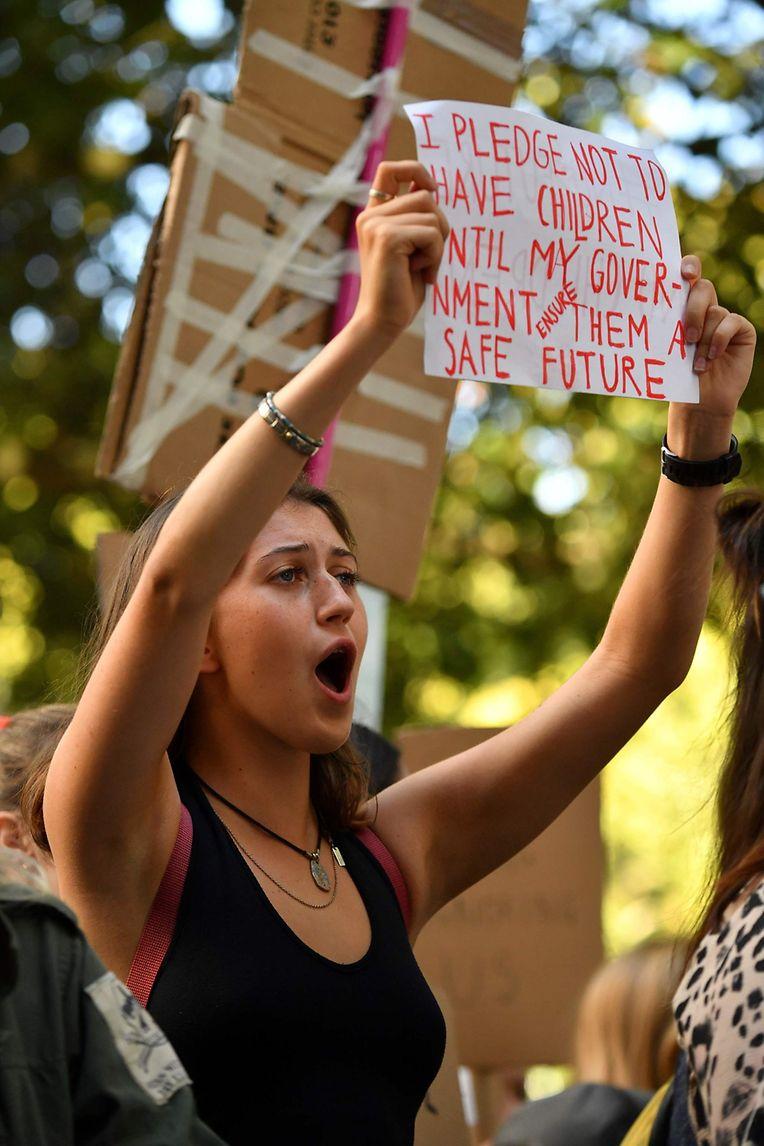 London: Auch in Großbritannien gingen vor allem junge Leute auf die Straße.