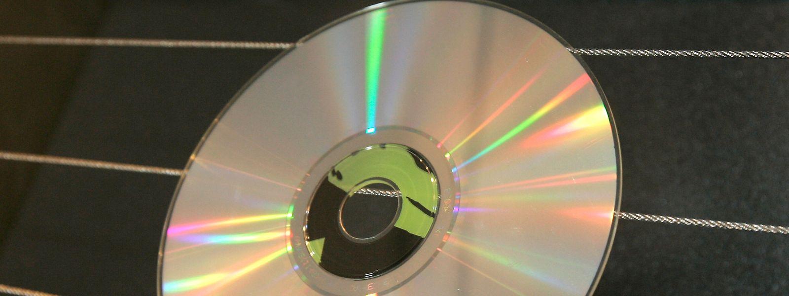 Unabhängig davon, was sich tatsächlich auf der CD befindet, stellt sich die Frage, wer das Gesprächsprotokoll an die Presse weitergeleitet hat und mit welchem Ziel.