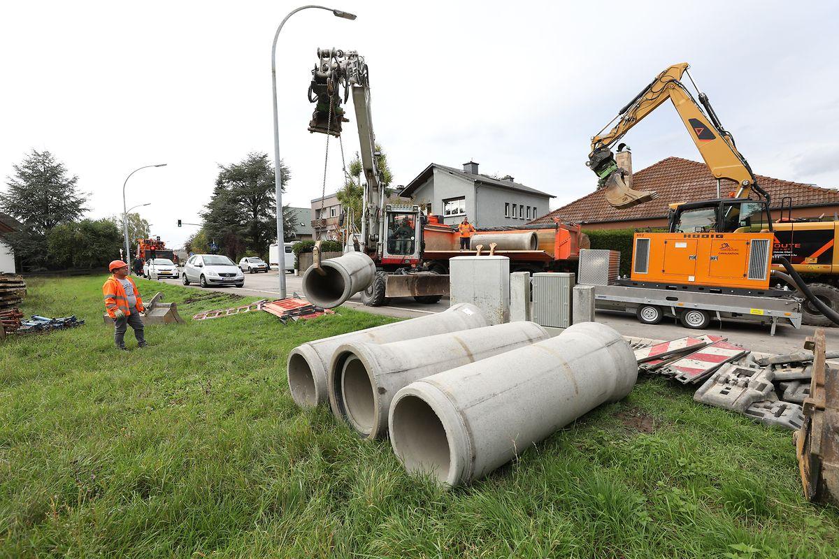 Laut Schöffe Nico Pundel, werden die Reparaturarbeiten bis Freitagabend dauern. So lange bleibt auch die Rue de Reckenthal für den Straßenverkehr gesperrt.