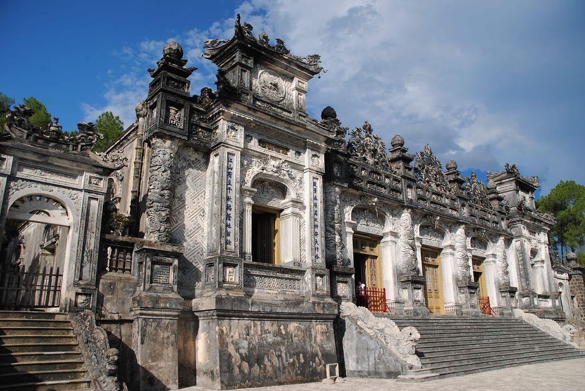 Sehenswert sind auch die Kaisergräber in Hué.