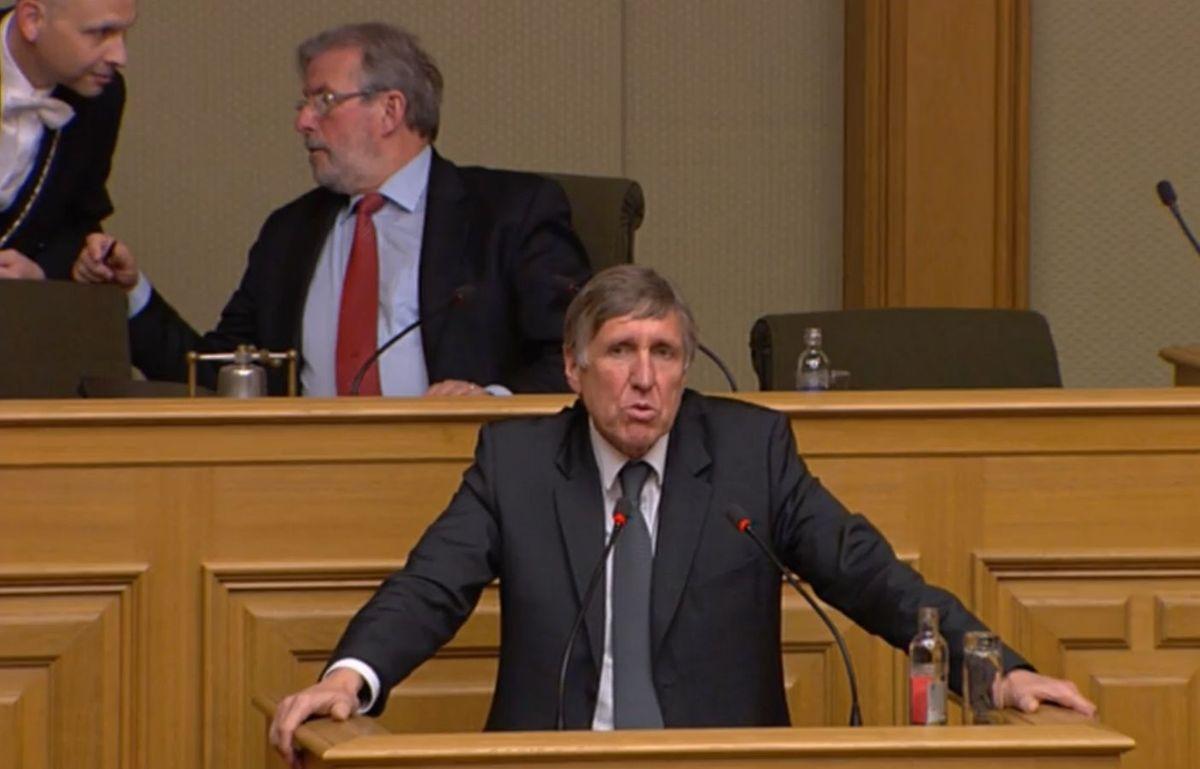 Von einer Privatisierung der ANA könne aber absolut keine Rede sein, sagte Ressortminister François Bausch.