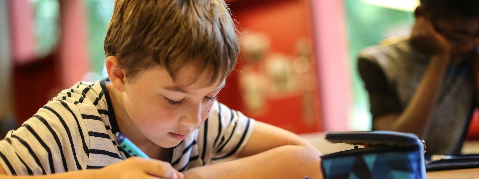 Am 17. September heißt es für Tausende Kinder wieder früh aufstehen und lernen.