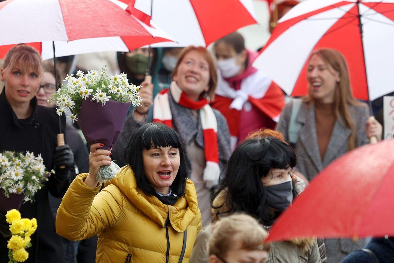 Bildes des Frauenmarsches am Samstag in Minsk.