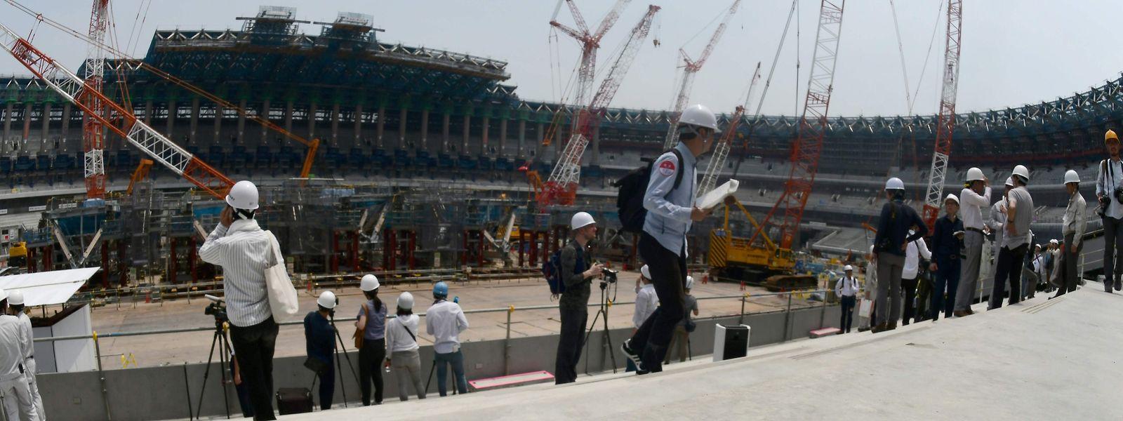 Le stade olympique de Tokyo en construction: le calme avant la tempête?