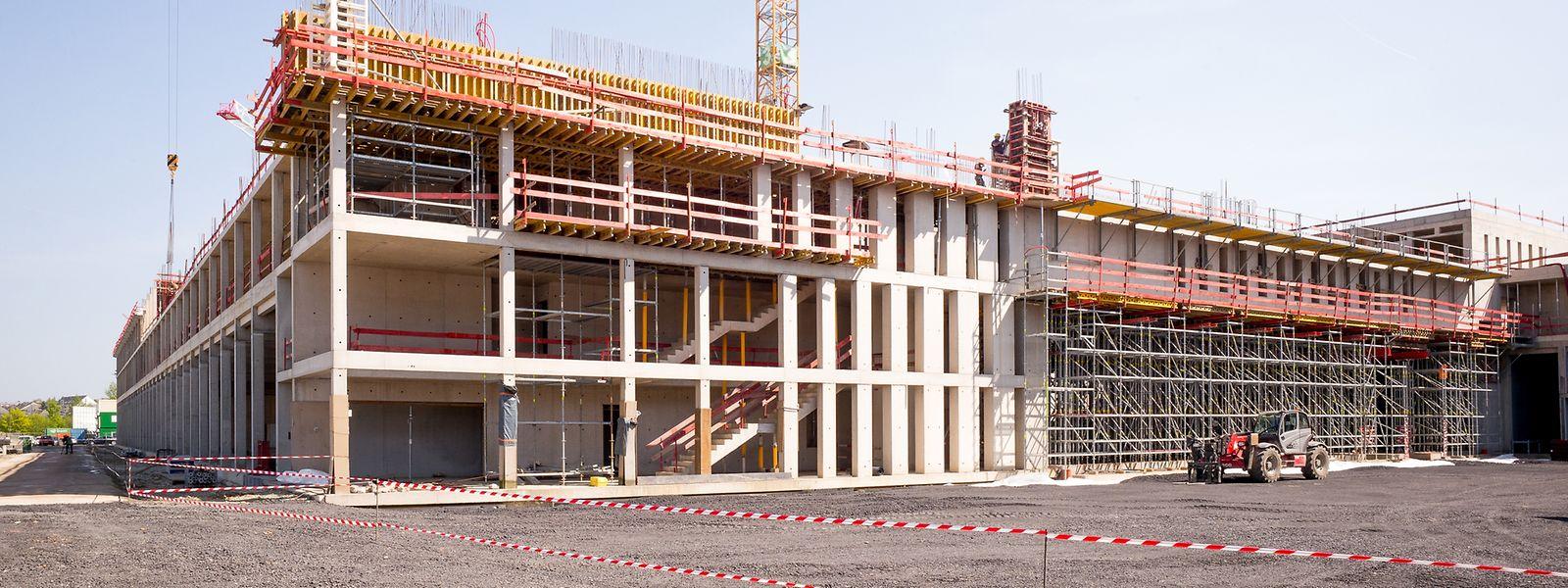 Die Rohbauarbeiten am künftigen nationalen Rettungszentrum sind zum größten Teil abgeschlossen.