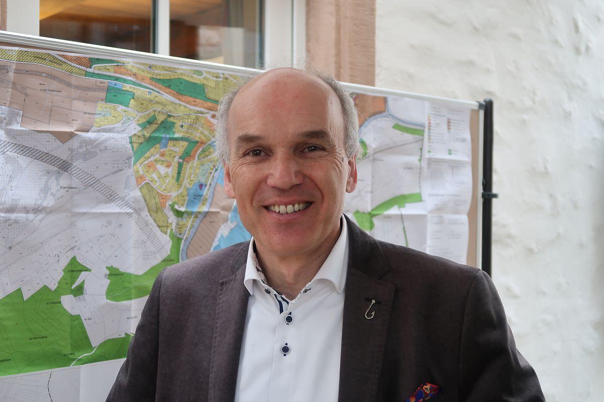 Bürgermeister Jean-Paul Schaaf zeigt sich von dem Vorfall vom Freitag ebenso besorgt wie bestürzt. Nach der Klärung der genauen Hintergründe gelte es mit der Polizei eventuelle Maßnahmen auszuloten.