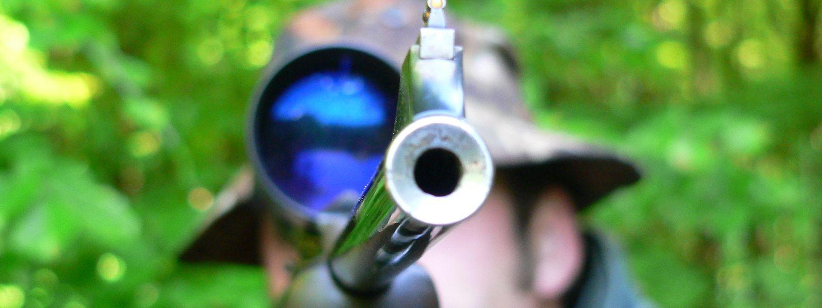 Seit geraumer Zeit schon fühlt sich die Jägerschaft in Luxemburg in immer unerträglicherem Maße von Jagdgegnern und Tierrechtlern öffentlich ins Visier genommen.