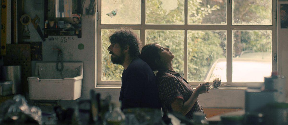 Damien Bonnard and Leïla Bekhti in Les Intranquilles