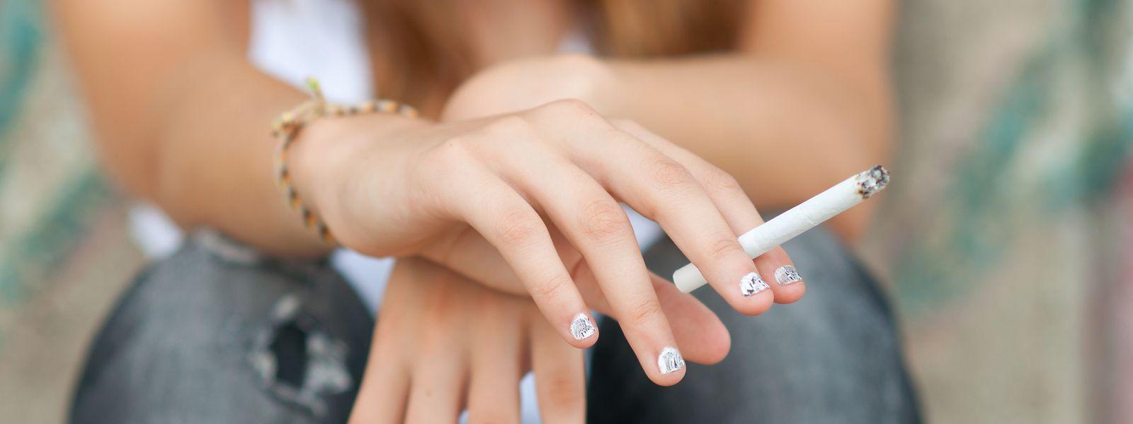 30 Prozent der jungen Frauen zwischen 18 und 24 Jahren rauchen. Damit ist der Wert im Vergleich zum Vorjahr gestiegen.