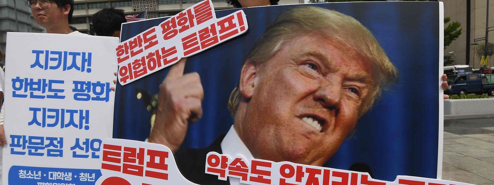 Anti-Trump-Demonstration in Seoul vor der US-Botschaft.