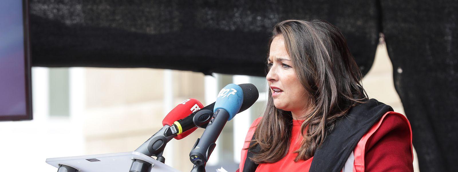 """OGBL-Präsidentin Nora Back warf der Regierung vor, den Sozialdialog in der Corona-Krise vernachlässigt zu haben. Statt echten Gesprächen habe es nur """"Alibiprozeduren"""" gegeben."""
