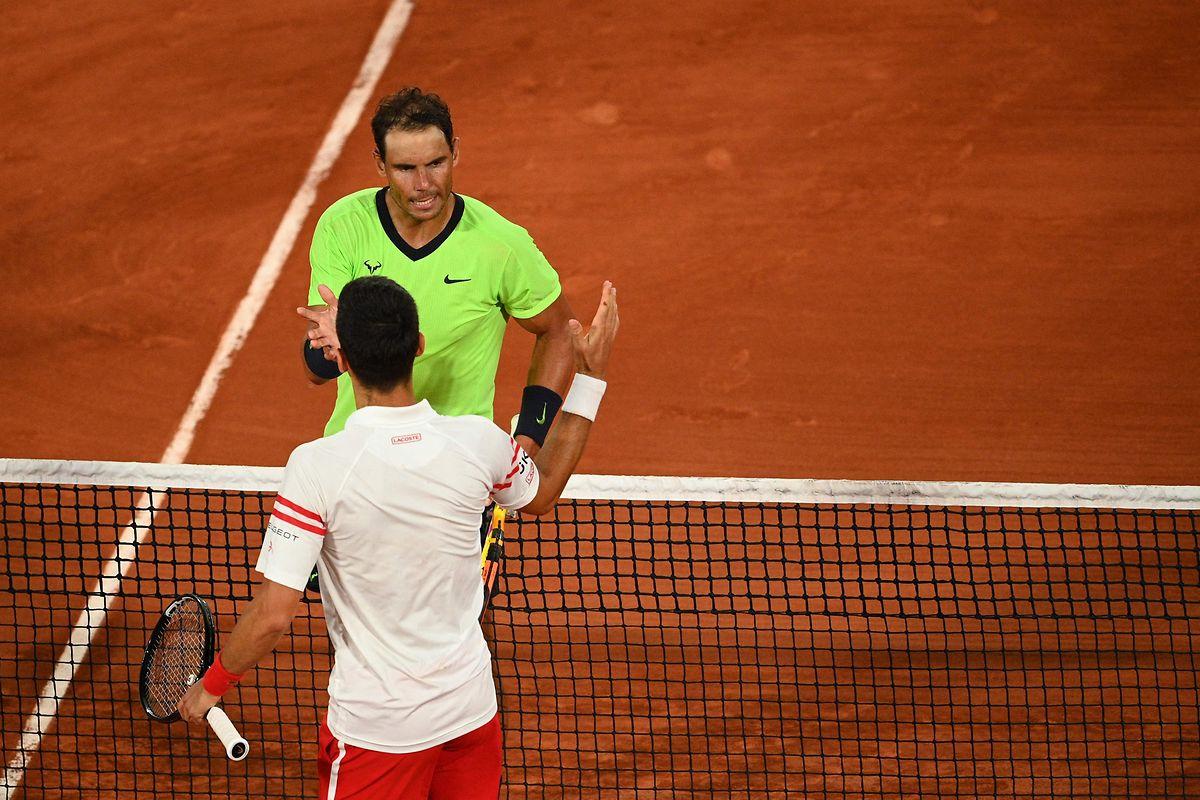 Bei den French Open muss Rafael Nadal dem späteren Sieger Novak Djokovic gratulieren.