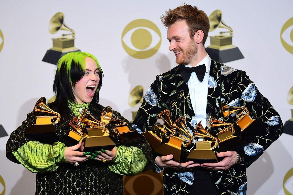 Billie Eilish et son frère Finneas O'Connell ne sont pas partis les mains  vides aux Grammy Awards en janvier dernier.
