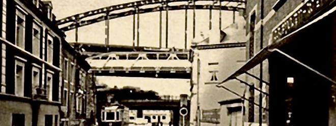 Die Ronn Bréck ist aus dem Escher Stadtbild verschwunden. Doch zwei Teile blieben erhalten. Eines davon wird demnächst an der Rue du Stade wieder aufgestellt.
