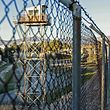 Grenzzaun in Nikosia: Zypern ist seit einem Putsch in Griechenland 1974 und einer darauf folgenden Invasion im nördlichen Teil der Insel geteilt. Den nördlichen Teil erkennt nur die Türkei an.