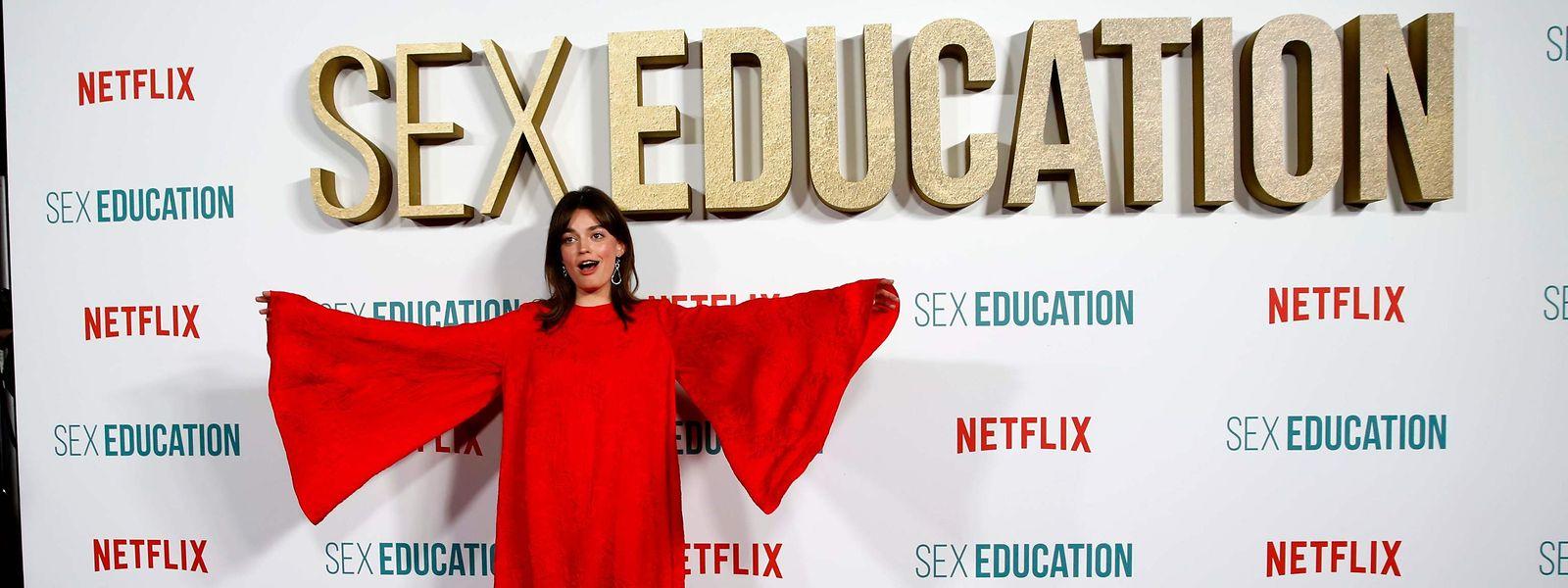 """Spaßvogel: Emma Mackey bei der Premiere der zweiten Staffel von """"Sex Education"""" in London."""