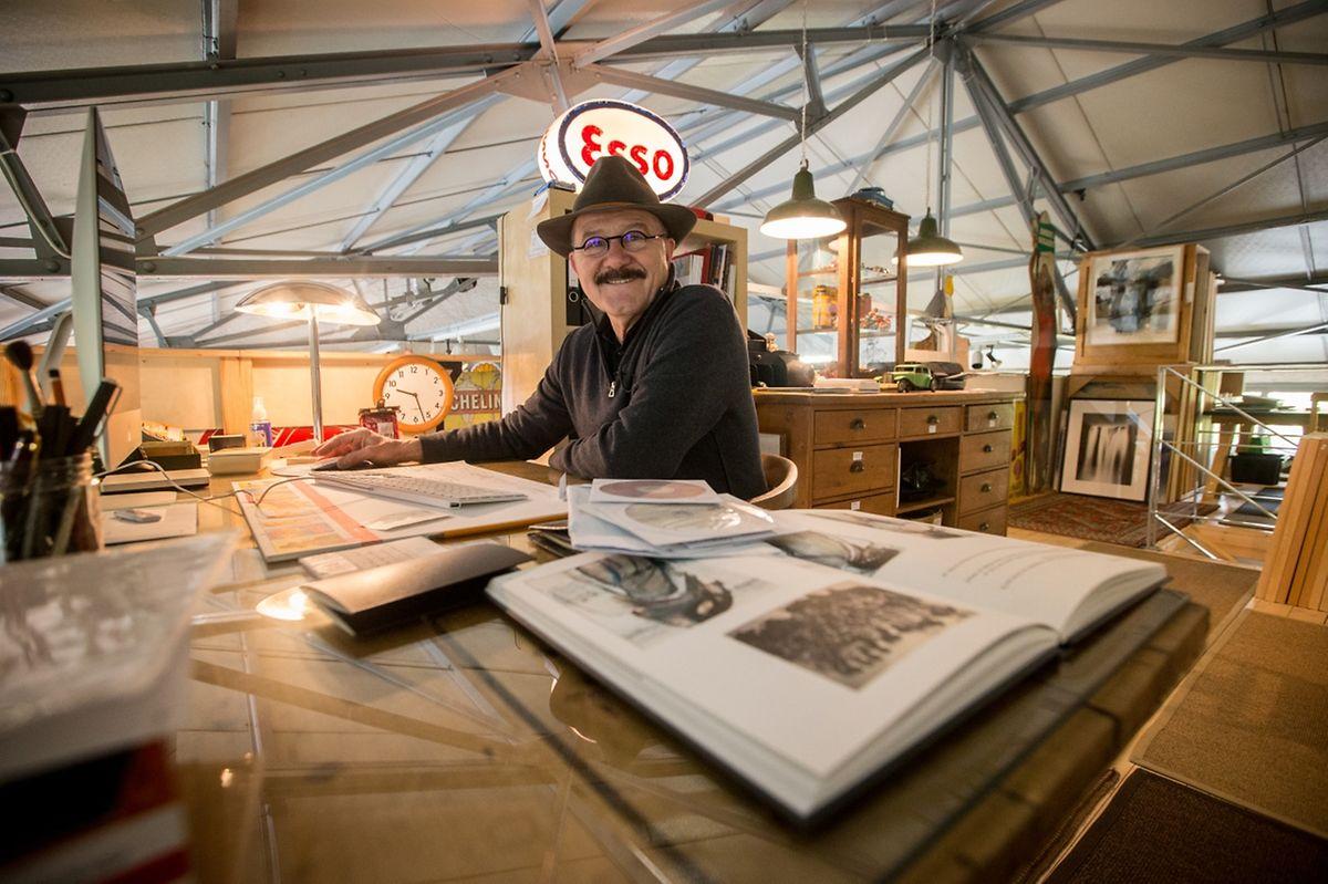 Robert Brandy dans son atelier.
