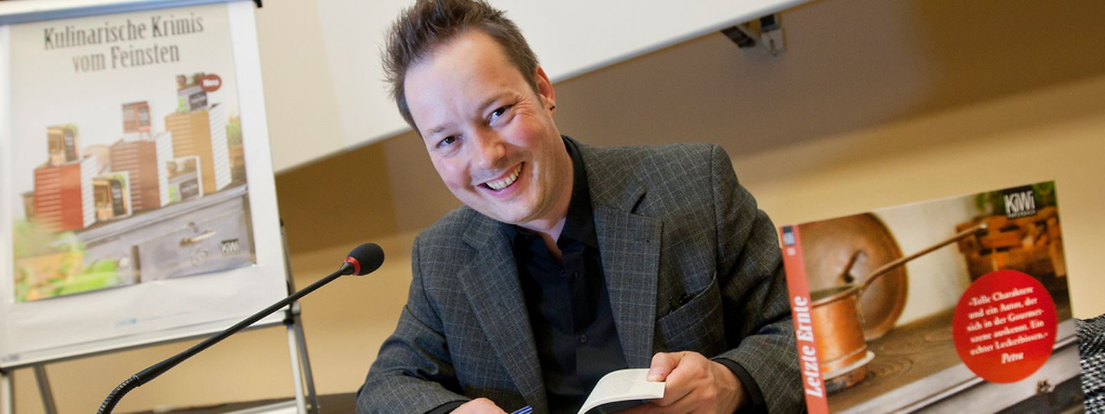 Autor Tom Hillenbrand liest wieder im Cercle Cité.