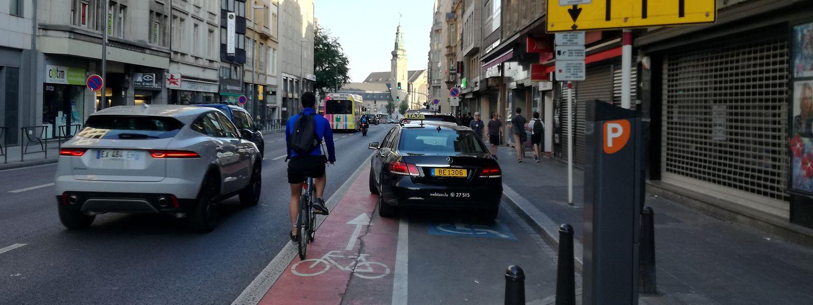 Avenue de la Liberté: l'une des pires pistes cyclables de la ville.