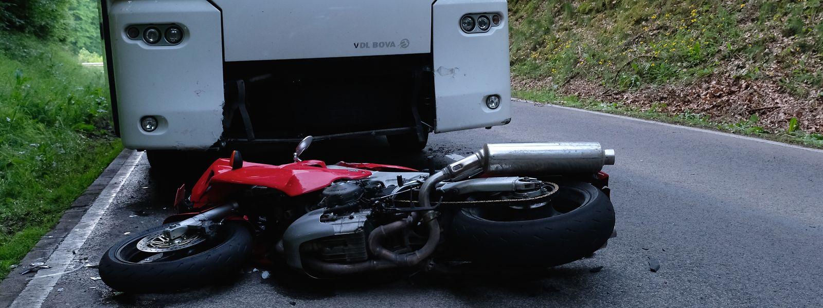 Die LAR flog den Notarzt zum Unfallort.