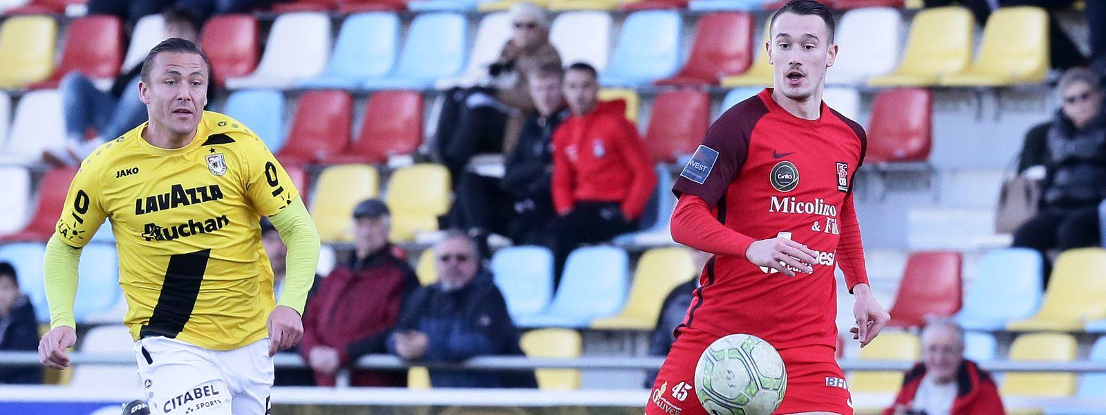 Adversaires la saison dernière lors de FC Differdange 03 - F91 Dudelange, Tom Schnell (à g.) et Edvin Muratovic sont aujourd'hui réunis sous le maillot dudelangeois