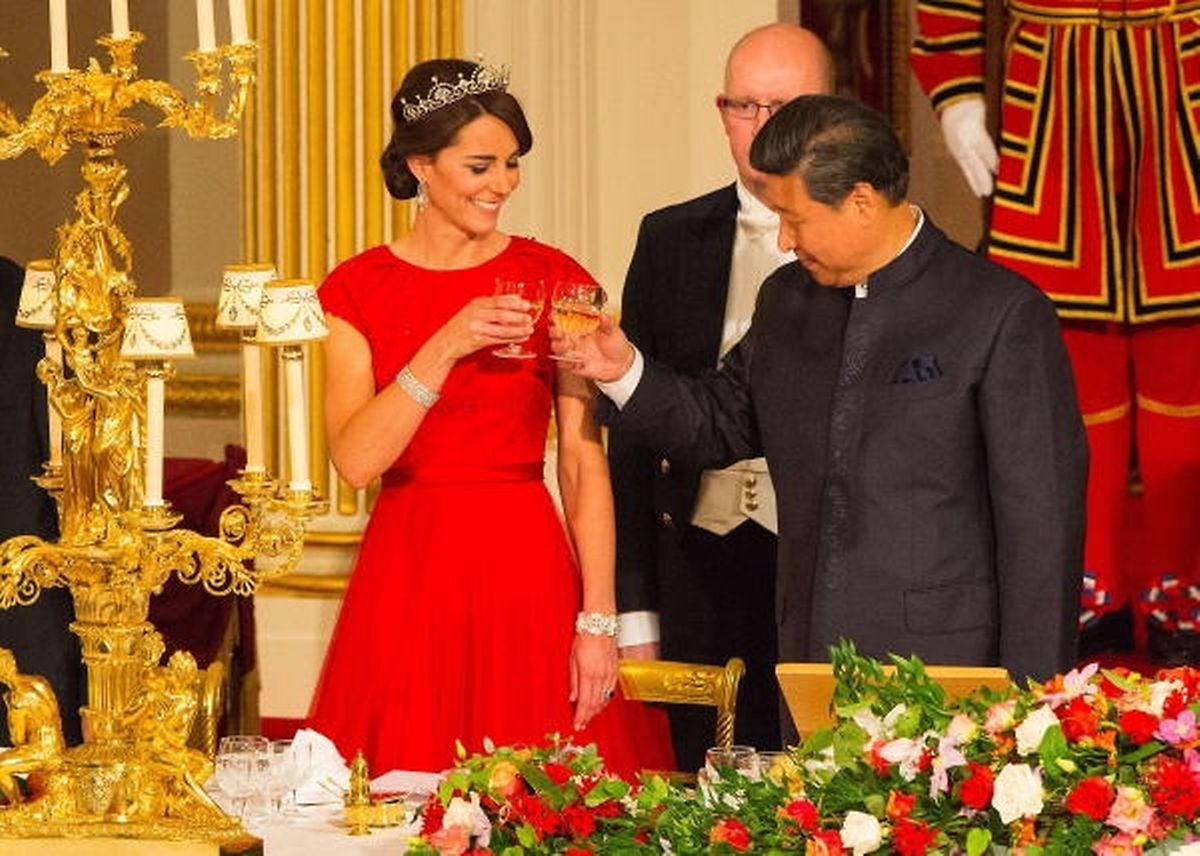 Auf eine gute Zusammenarbeit: Chinas Präsident Xi Jinping mit Prinzessin Kate.