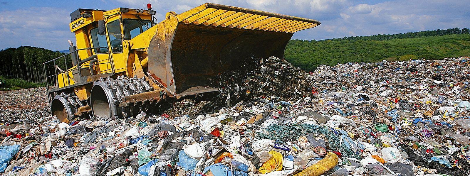 2015 wurden rund 2,7 Millionen Tonnen Müll importiert.