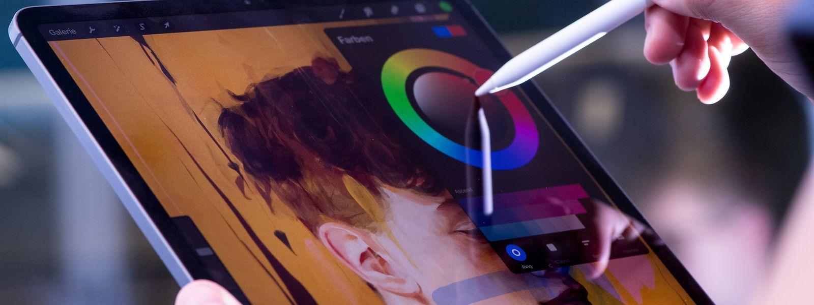 Das neue iPadPro zeigt Farben im erweiterten Farbraum DCI-P3 an und deckt damit den Bereich der natürlich vorkommenden Oberflächenfarben zu über 85 Prozent ab.