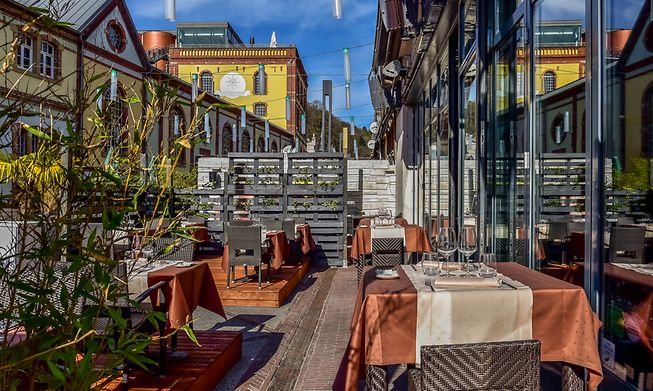 Several Clausen terraces are open, including this sunny one at Ikki. We just need the sun to stay shining