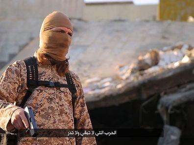 Einer der IS-Kämpfer auf dem Video soll nach Erkenntnissen des portugiesischen Geheimdienstes Steve Duarte sein.