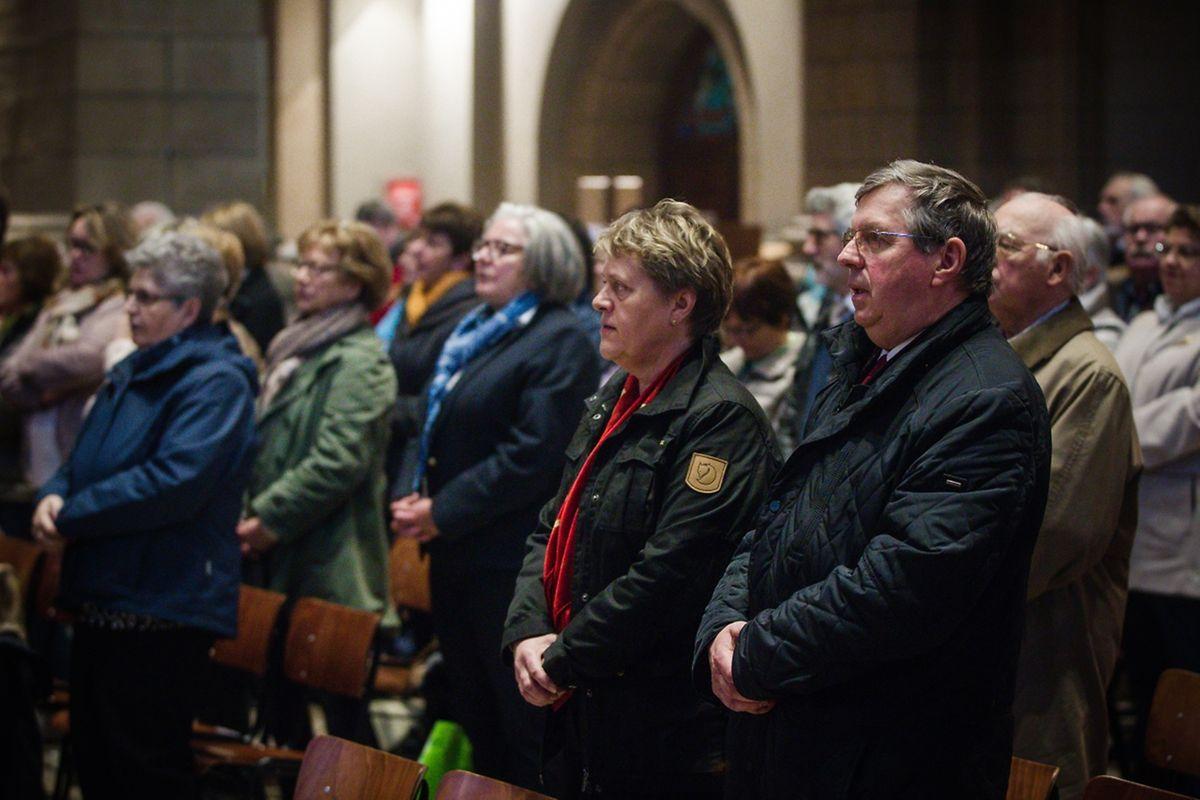 """Messe für die neuen Pfarreien """"Mamerdall Saint-Christophe"""" + """" Bartreng–Stroossen Saint-Jean XXIII""""."""