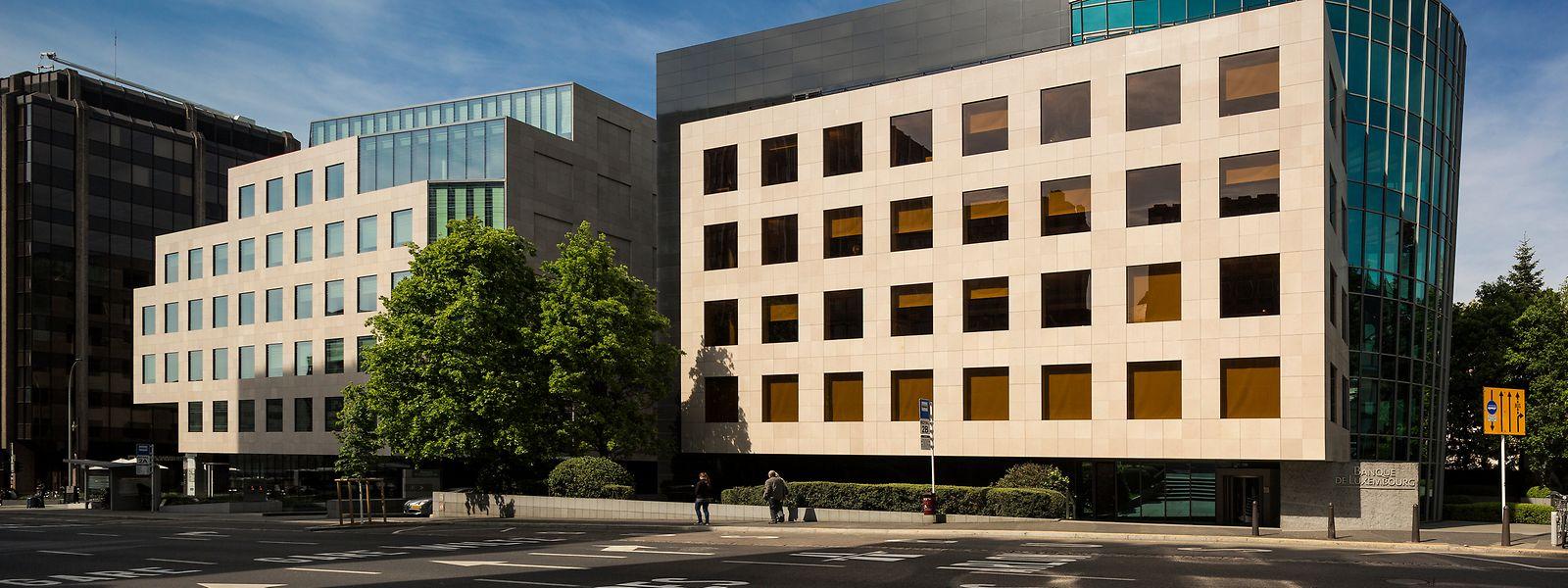 1988 beschlossen, 1994 eröffnet: Der Geschäftssitz der Banque de Luxembourg am Boulevard Royal 14 wurde vom Büro Arquitectonica (Miami) entworfen. Das Gebäude setzt am Bankenplatz architektonische Maßstäbe.