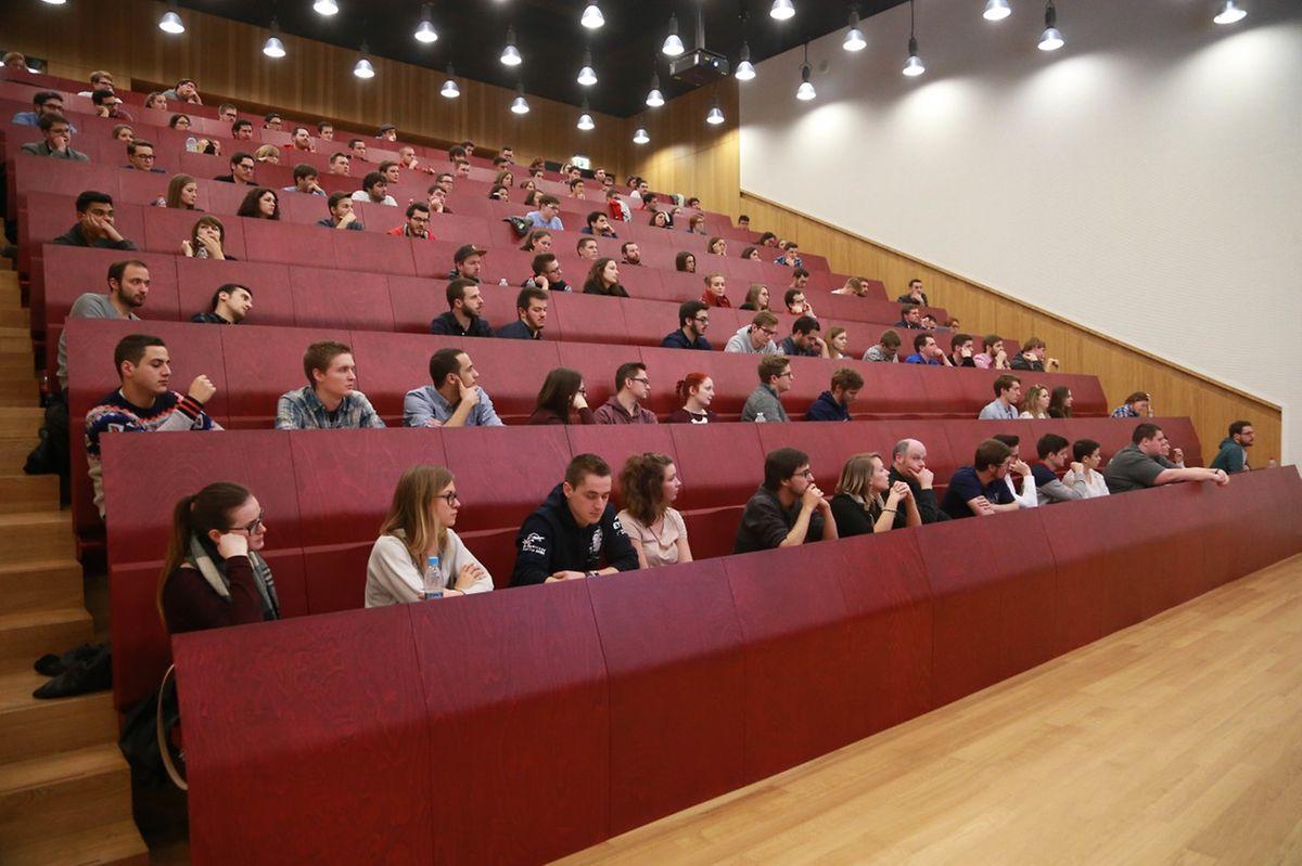 Zahlreiche Studenten hatten den Weg nach Belval gefunden.