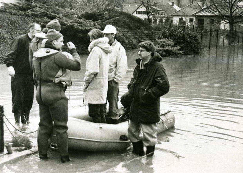 Ingeldorf im Jahr 1993: Die Sauer trat über die ungeschützen Ufer und richtete grossen Schaden an.