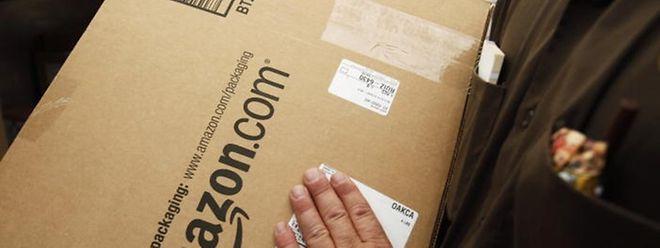 Wer tagsüber kaum zuhause ist, kann sein Paket in einen Shop schicken lassen und dort abholen.