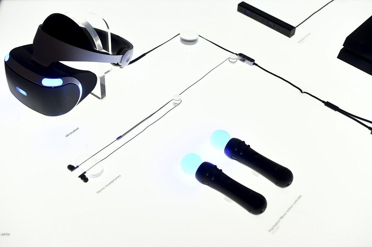 So sehen die einzelnen Komponenten der Playstation VR mit der Brille (oben l.) und den Steuereinheiten für die Bewegung (unten r.)aus.