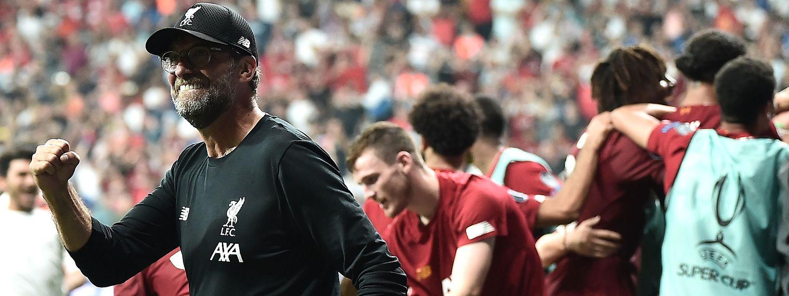 Liverpools Trainer Jürgen Klopp gewinnt den nächsten Titel.