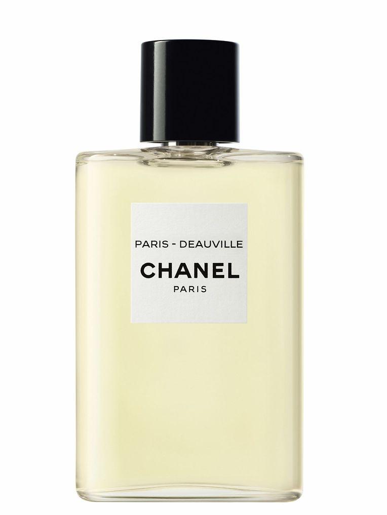 """Un sentiment d'été au moment de Noël : """"Paris - Deauville"""" de la série """"Les Eaux de Chanel"""", 50 ml à 82 euros, 125 ml à 116 euros."""